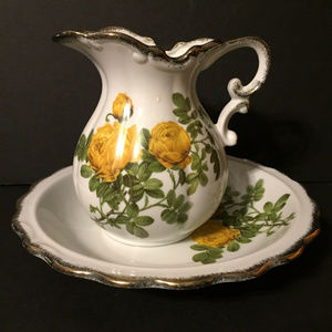 Other - Vintage White Yellow Roses Pitcher